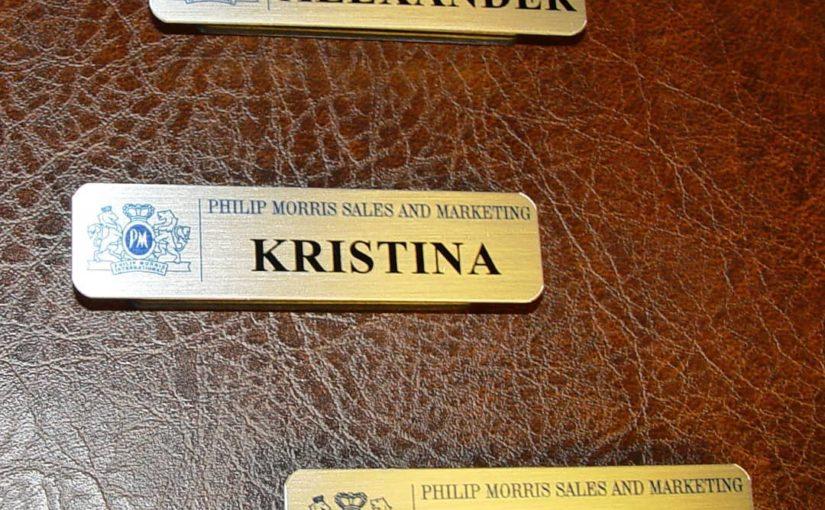 Бейджи на магните для персонала Philip Morris