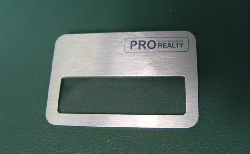 Бейджик с окошком для PRO Realty